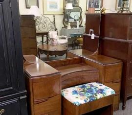 Vintage Mirror Vanity