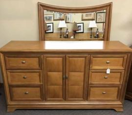 Thomasville Mirror Dresser