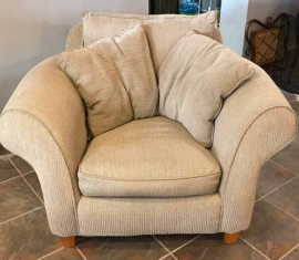 Snuggler Chair