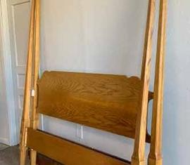 Oak Queen Bed