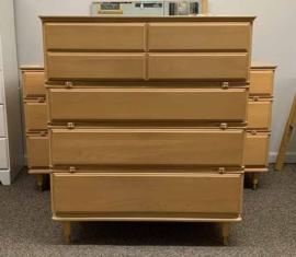 Kroehler Mid-Century Modern Highboy Dresser