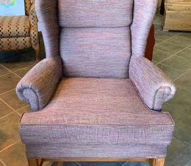 2 Wingback Chairs / front