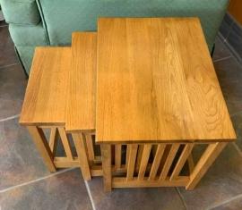 Oak Nesting Tables